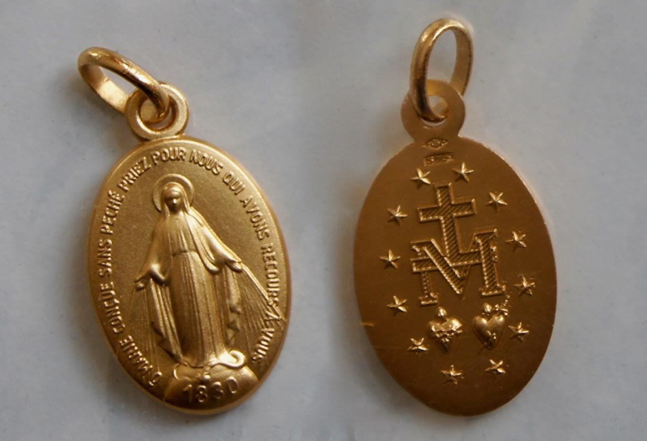 <b>Wonderdadige Medaille  </b> <p>Ovaal goud <p>9 en 18 karaats </p>