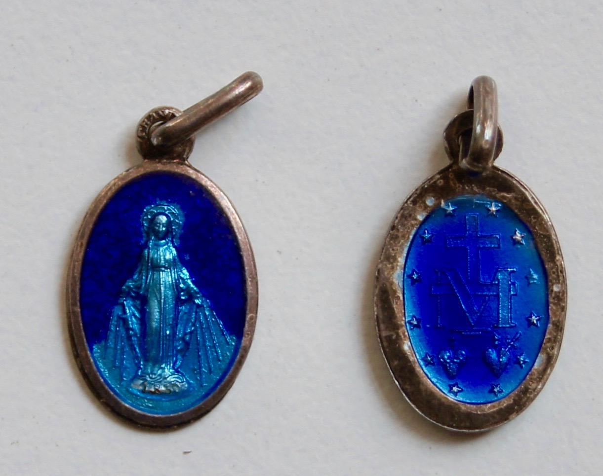 <b>Wonderdadige Medaille  </b><p>Ovaal <p>verzilver-blauw</p>